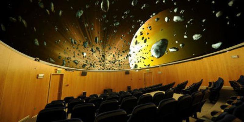 какой зал в питерском планетарии самый интересный